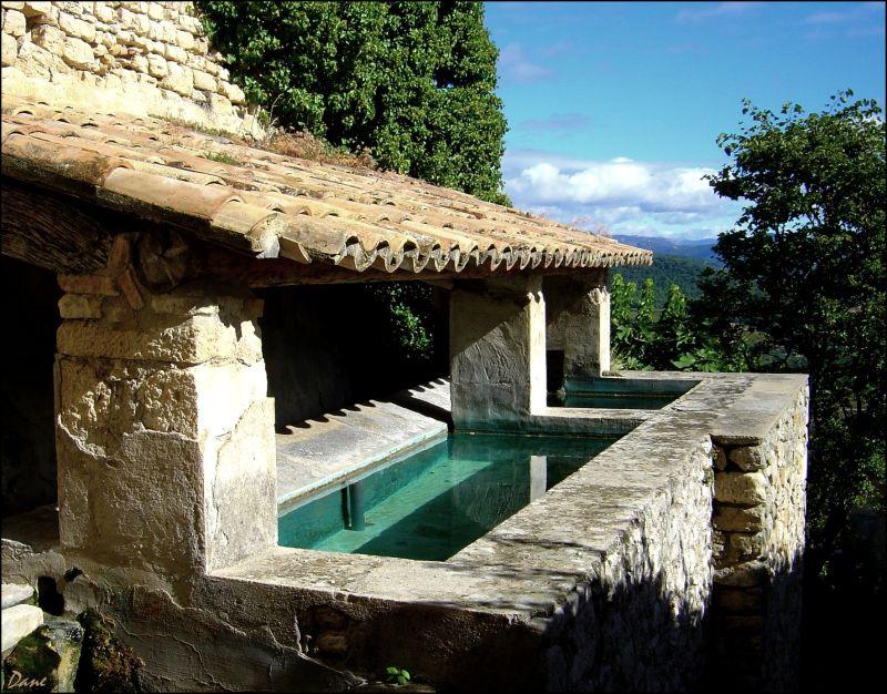 Bassin à Crestet dans la Drôme Provençale.