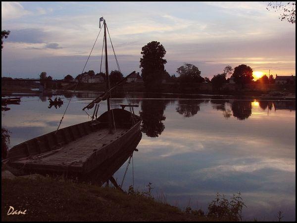 Le soleil se couche sur le Cher .. à Savonnière.