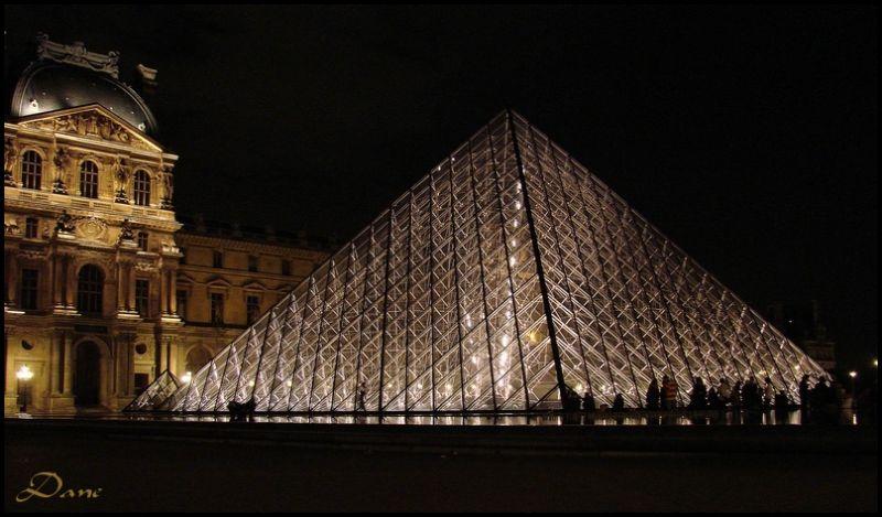 Ombres et lumière une nuit de mai au Louvre.