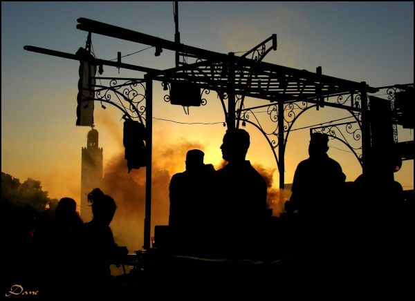 soir Koutoubia place Marrakech grillades lumière
