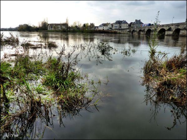 Novembre au bord de l'eau.. La Charité-sur-Loire .