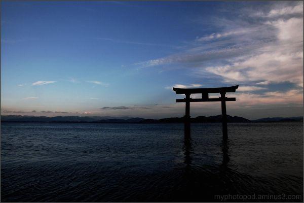 Japanese tradition torii biwako lake water LEICA