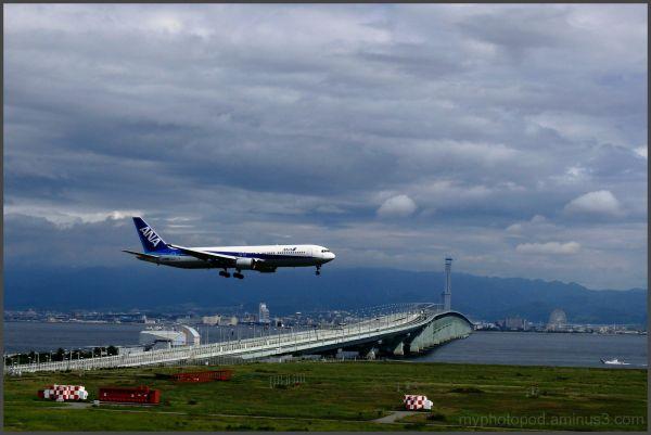 kansai airport landing ANA