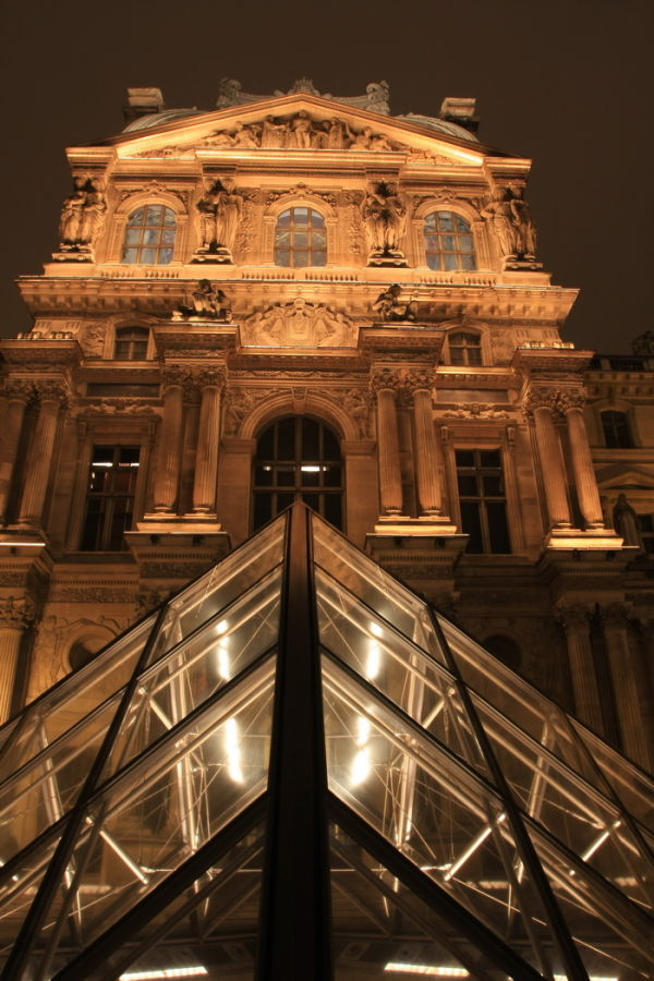 louvre pyramide