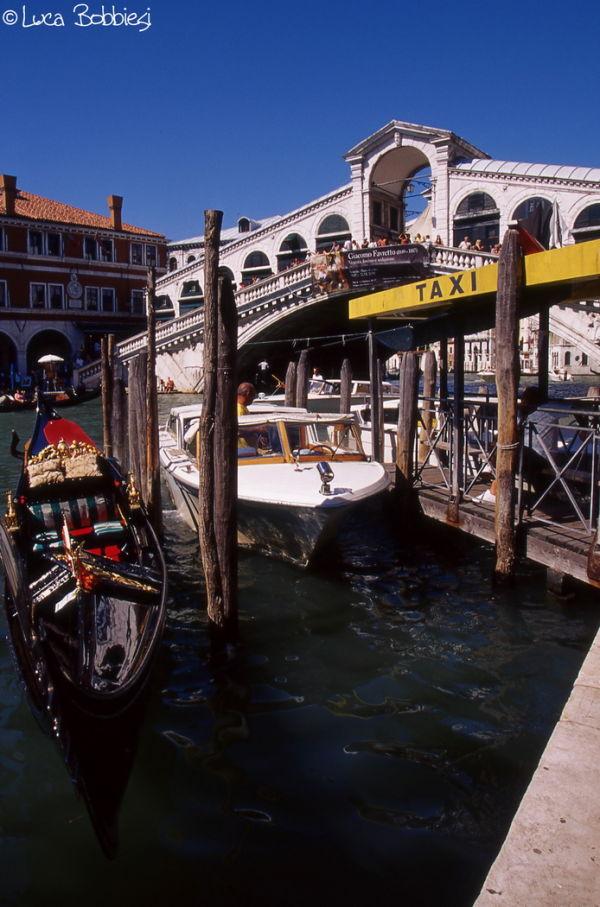 Gondola, Taxi e Ponte di Rialto