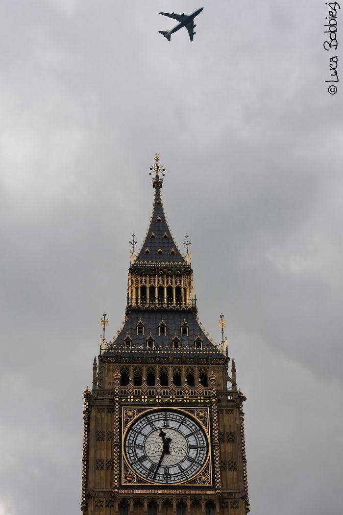 Flying over the Big Ben