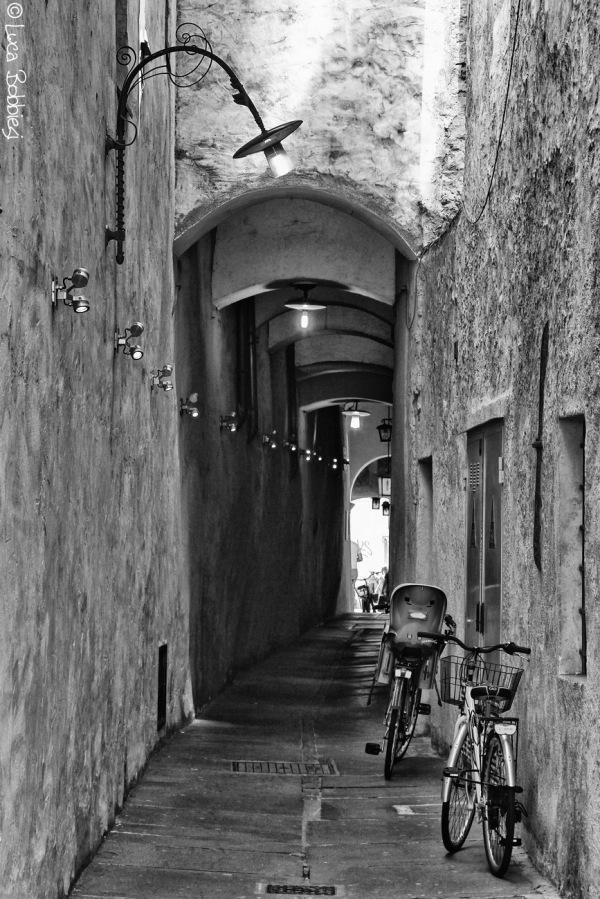 Via Dei Portici