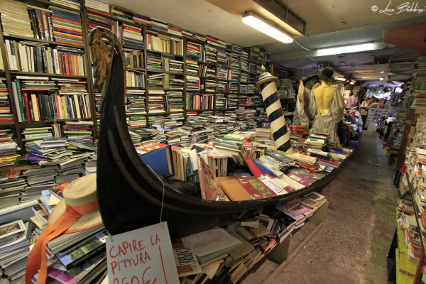 Libri in Gondola