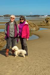 Ellie, Nina & Max at Quail Street Beach