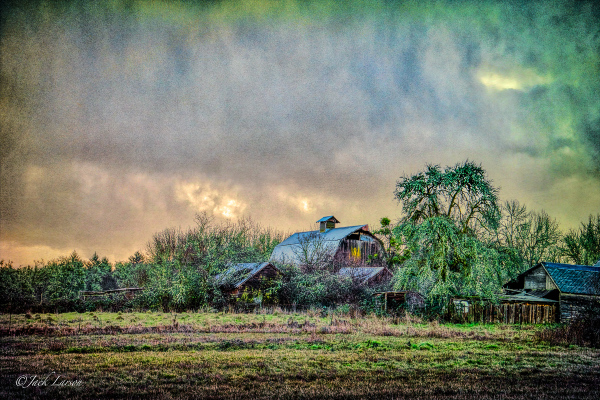 """Highland Barn (Dingy)"""