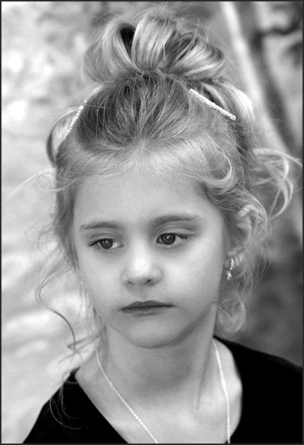 head shot of little girl