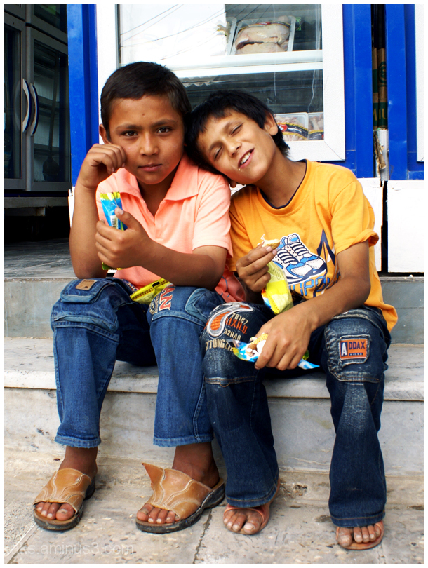 Children of Bushehr seaport