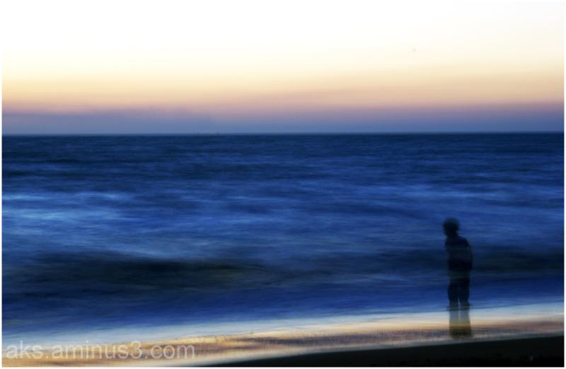 The spectre along sea