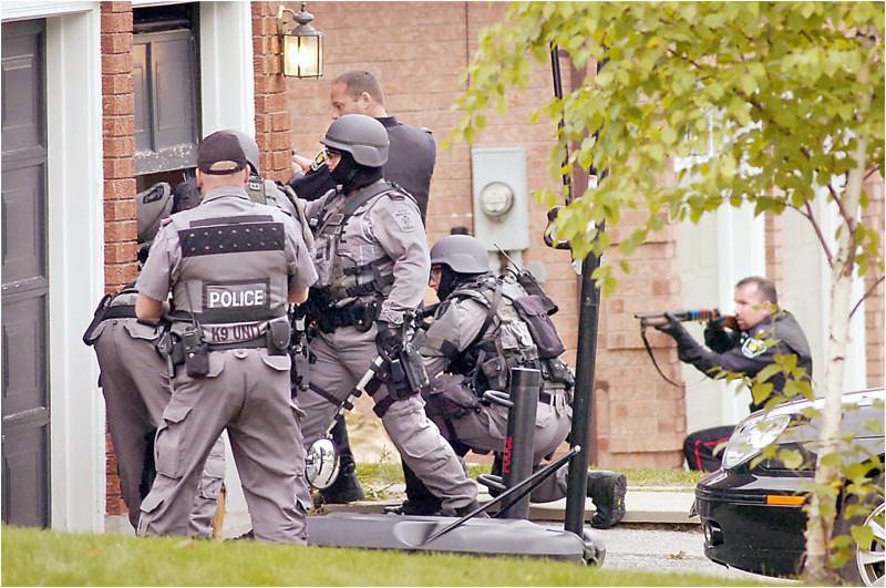 robbery police guns