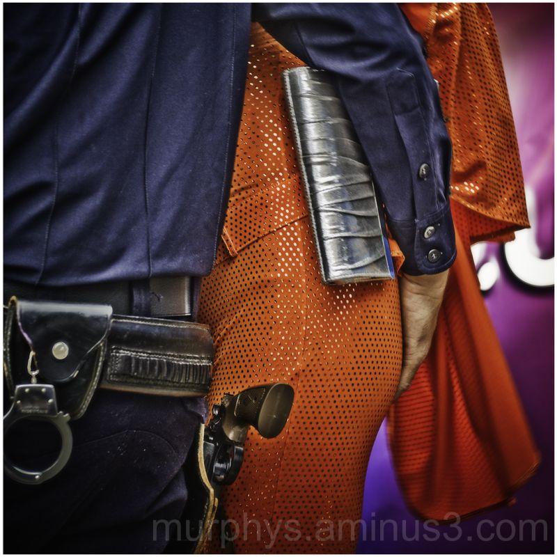 hand,gun.orange,police.