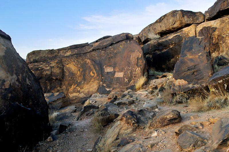 Petroglyphs (1/3)