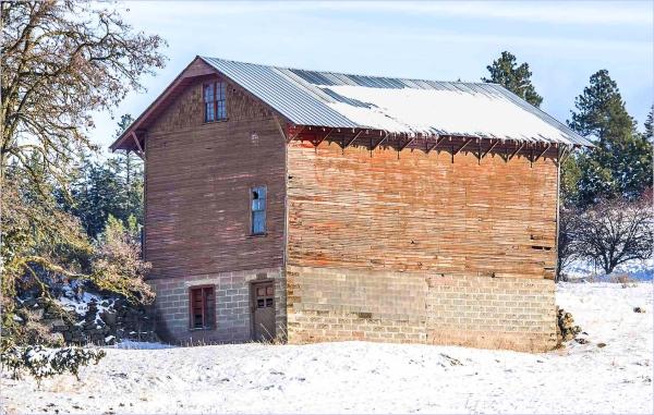 Barn? House?