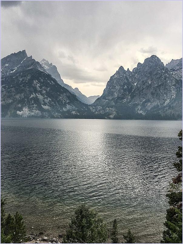Lake Mountains
