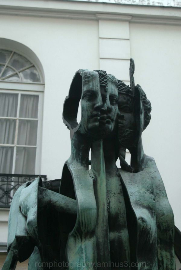 The Statue of Five Faces