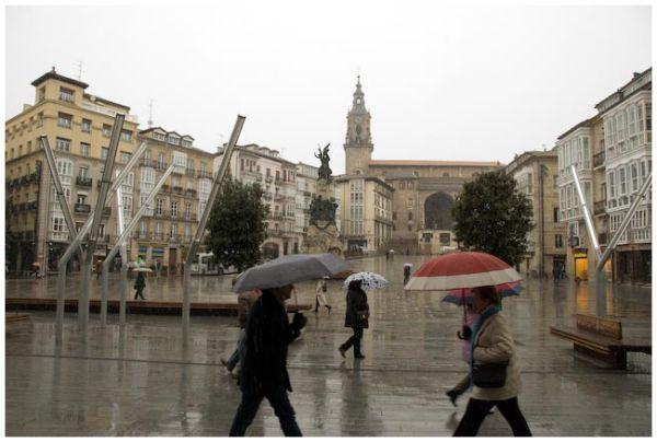 Paraguas en la plaza