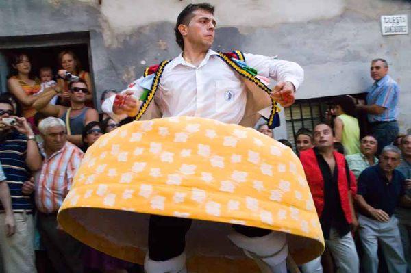 La Danza de los Zancos