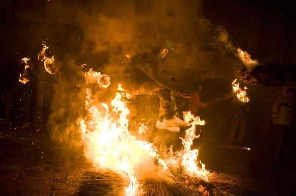 Saltando el fuego