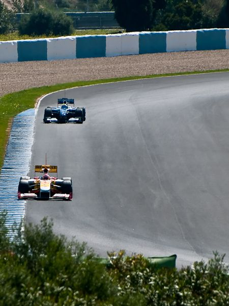 Renault chased by Williams