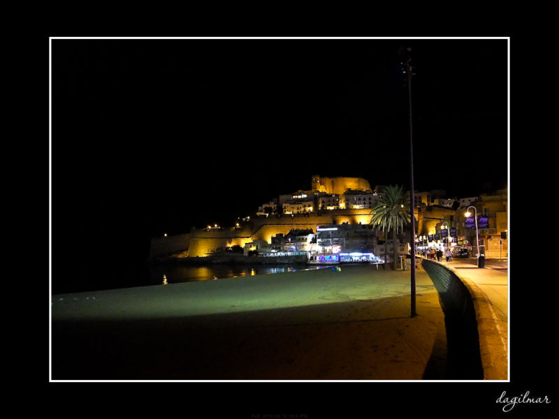 Peñíscola at night