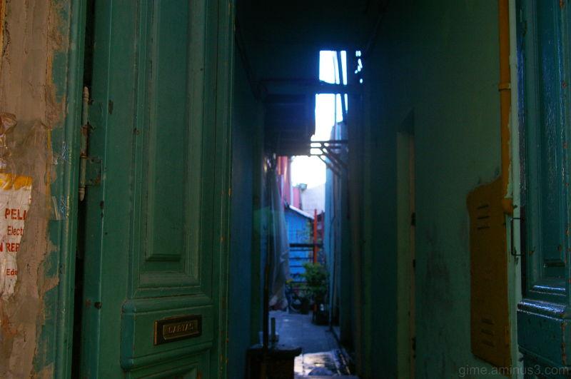 entrance conventillo,gimena/escobar