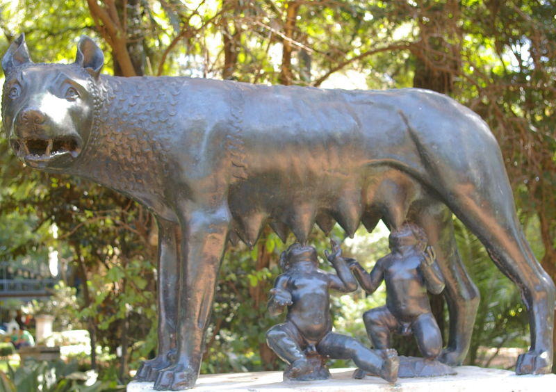 loba romana estatuas gimenaescobar