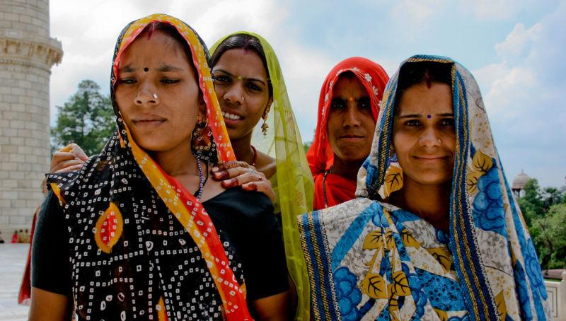 4 mujeres, cuatro expresiones