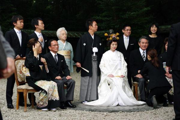 mariée ...au centre