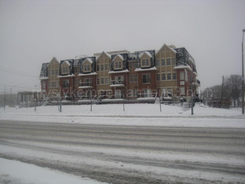 House, Bricks, Snow