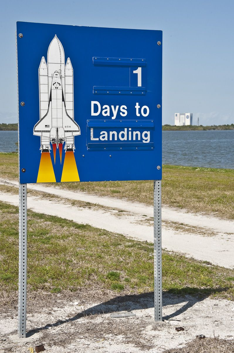 1 Day to Landing - STS-133
