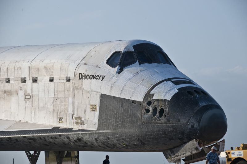 Discovery Towback - STS-133