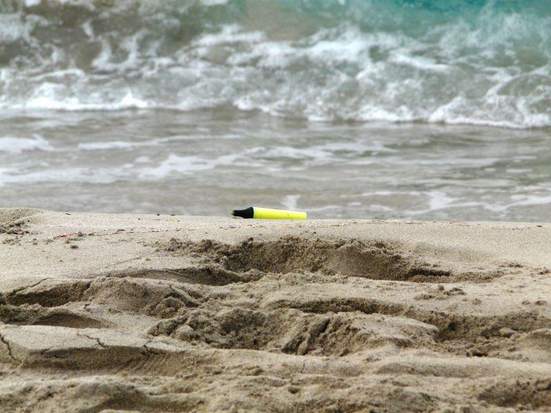 Subrayador perdido en playa de Menorca