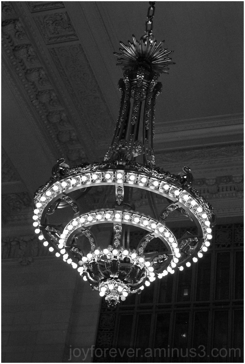 light lamp grand central new york black white