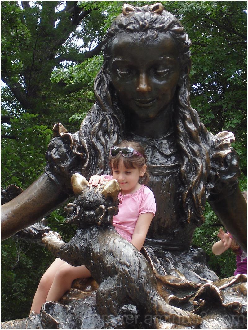 Alice statue kid bronze sculpture cat kitten girl