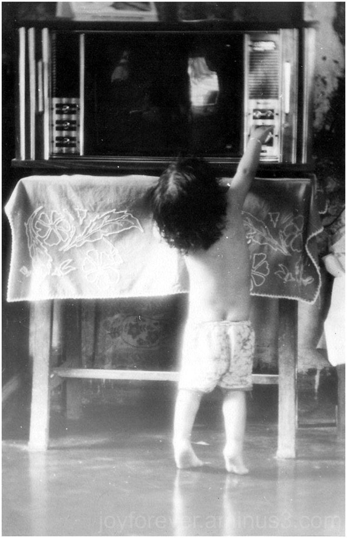 child kid TV black & white