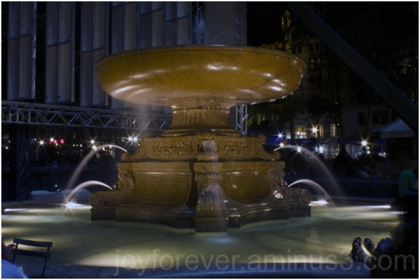 fountain bryant-park new-york-city night manhattan