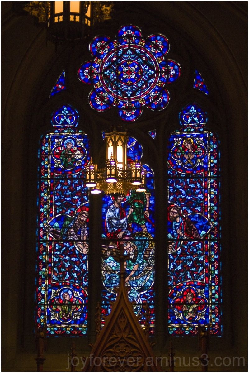 cathedral church Sacred-heart Newark window