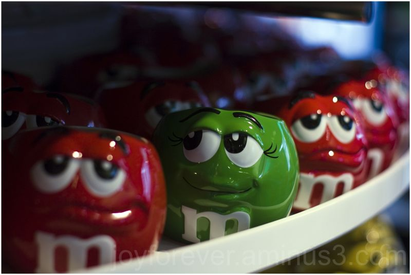 m&m cups red green faces shallow-dof new-york