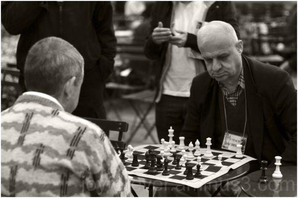 chess-players bryant-park new-york-city