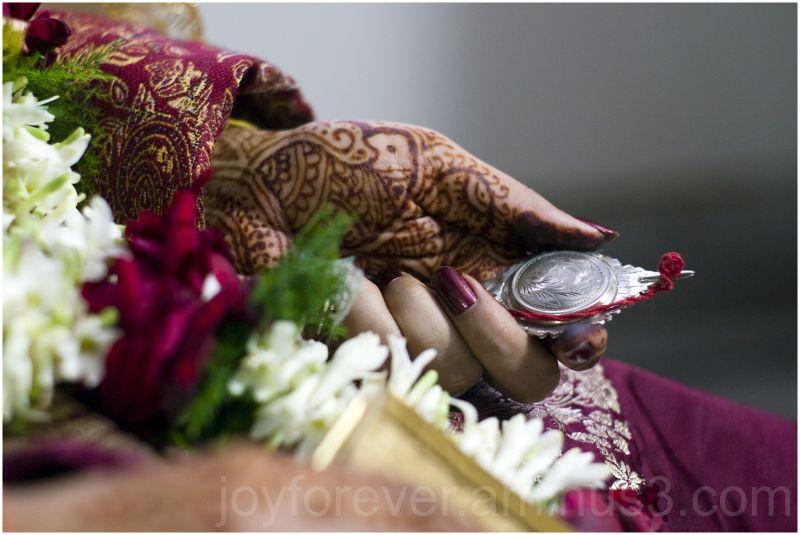 bride wedding make-up bengal india jewelry sari