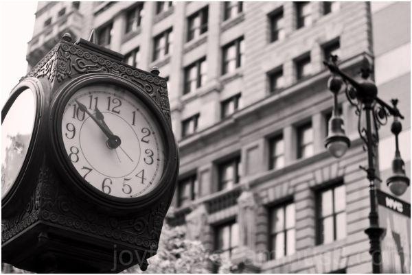 clock B&W New-York-City Manhattan street sepia nyc
