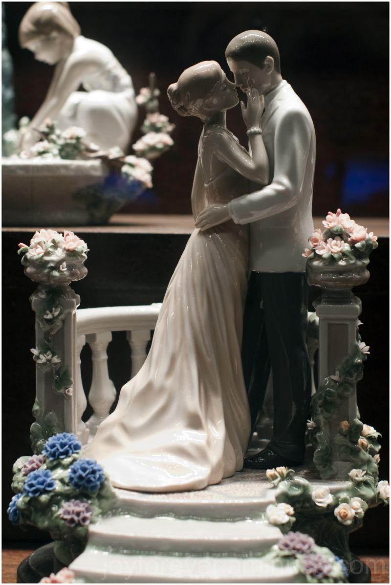 couple porcelain dolls wedding bride groom kiss