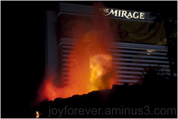 Volcano Mirage hotel casino fountain Las-Vegas USA