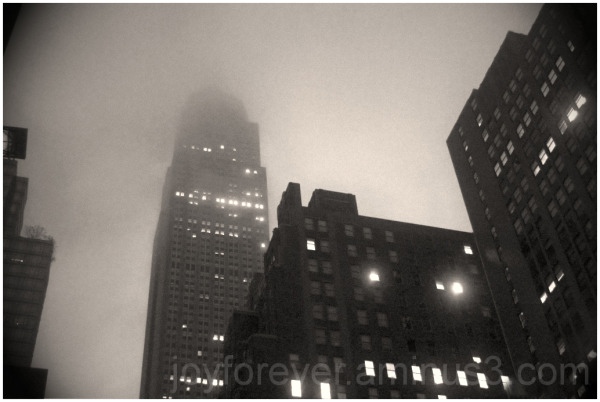 Empire-State-Building New-York clouds Manhattan