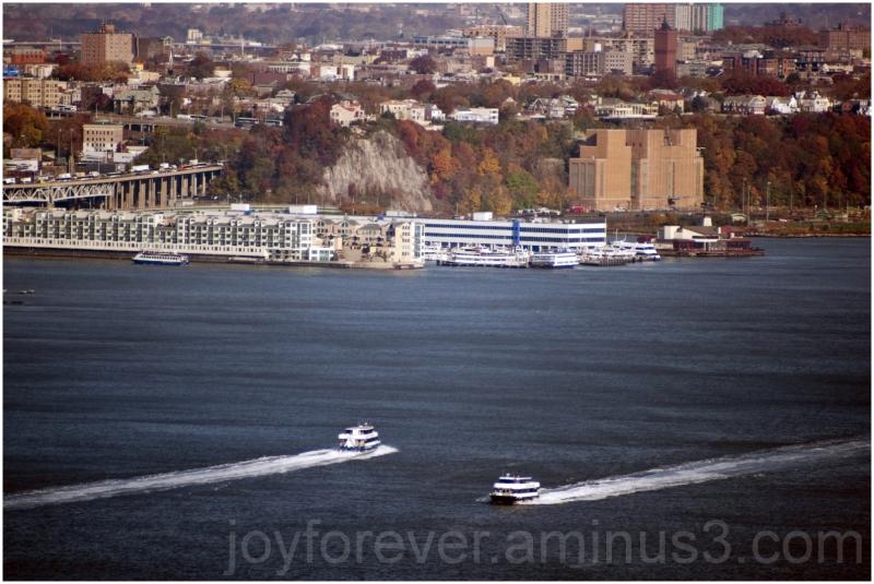 Fall Hudson river boats New-Jersey cityskape USA