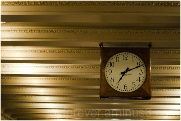 clock ceiling grand-central new-york-city